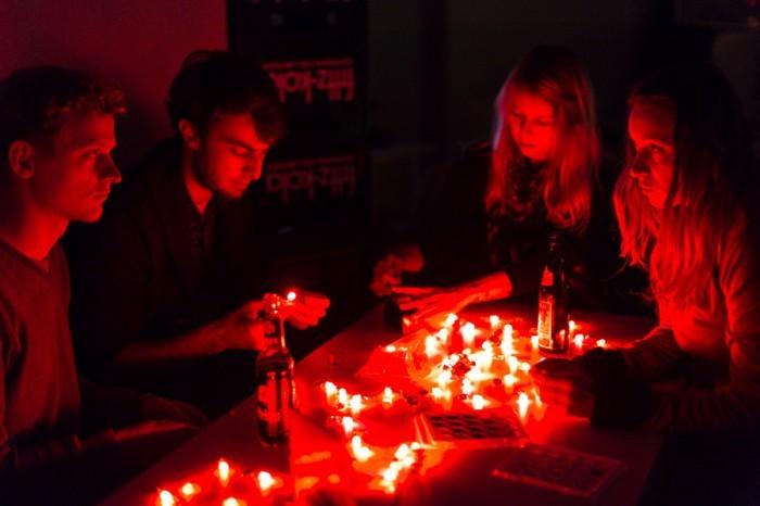 CYNETART_2013-11-16-LED-THROWIES-Workshop-photo-David-Pinzer-9130